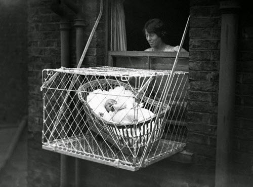 London baby cages 1930s500x369